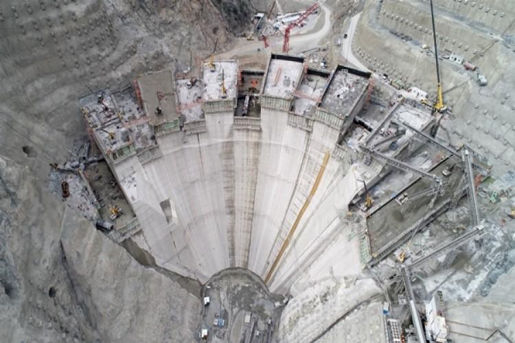 Yusufeli Barajında Gövde Yüksekliği 100 Metreye Ulaştı