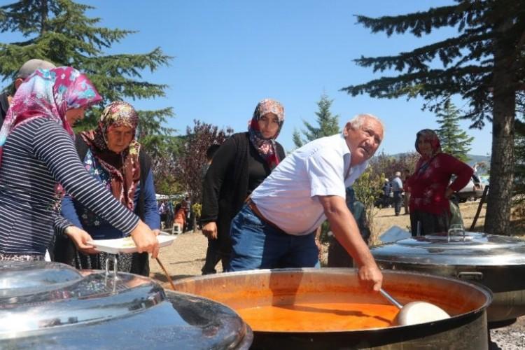 Beyşehir'de Geleneksel Akçabelen Çetmi Fasulye Festivali