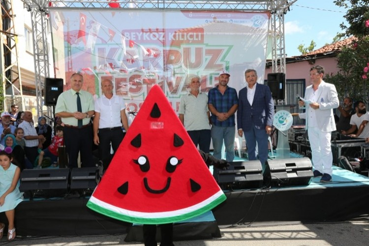 Karpuz Festivali Bozhane'ye Bereket Getirdi