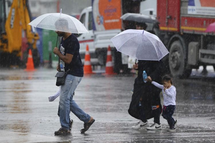 Meteorolojiden 2 Bölge, 3 İl İçin Kuvvetli Yağış Alarmı
