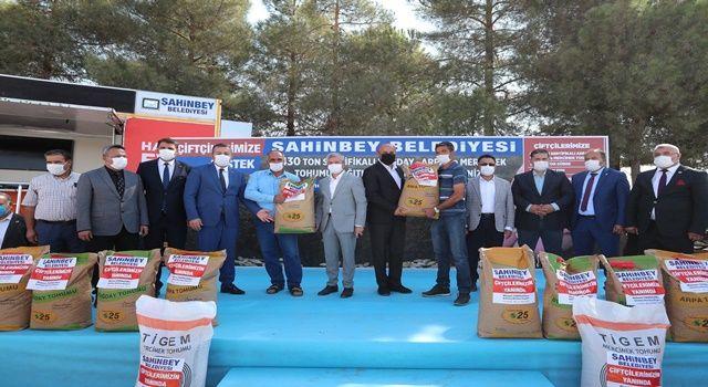 Şahinbey' Belediyesinden çiftçilere 3 bin 430 ton sertifikalı tohum desteği