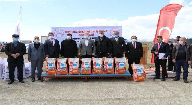 Ağrı'da Çiftçilere Yem Bitkileri Tohumu Dağıtıldı