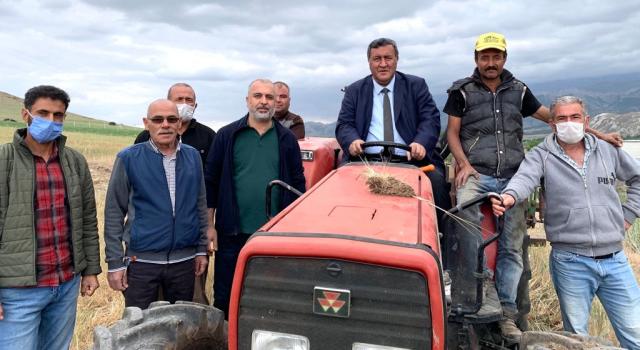 """Gürer: """"Çiftçinin traktörü haciz edilemesin"""""""