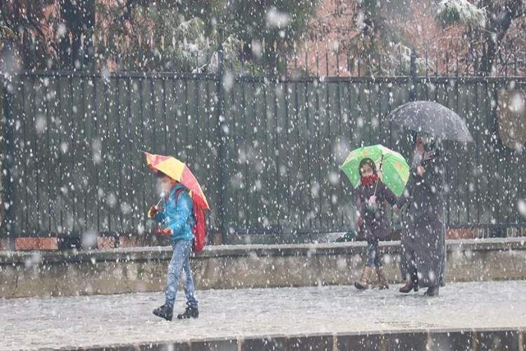 Meteoroloji'den -11 uyarısı! İstanbul'da 5 derece azalacak, Ankara buz kesecek