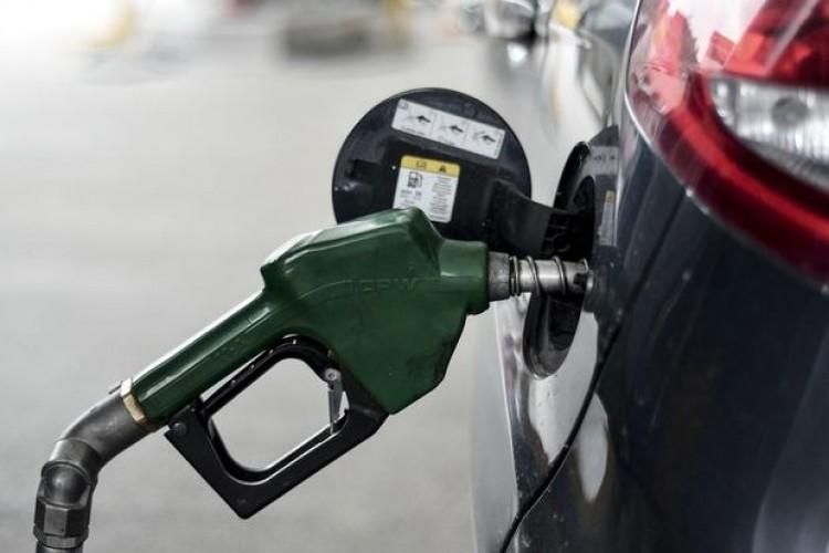 SON DAKİKA: Benzin ve motorine büyük zam