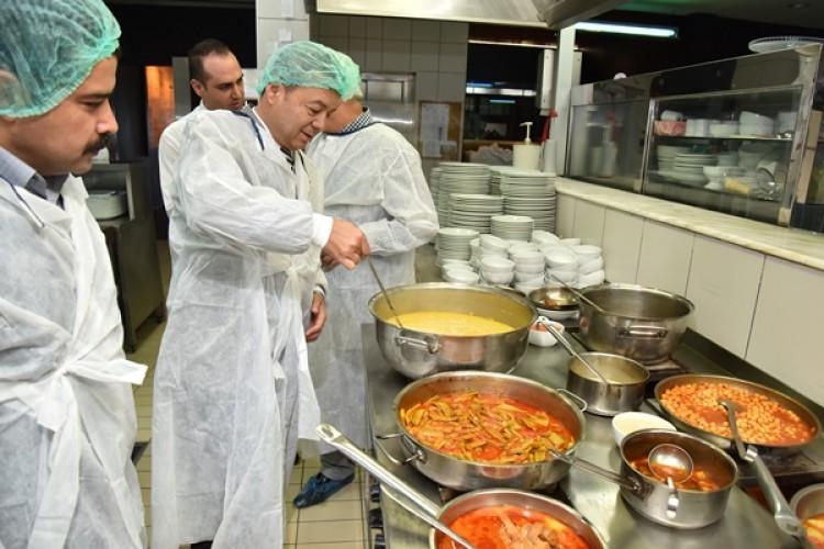 Antalya'da 13 Bin 74 Adet Gıda Denetimi Yapıldı