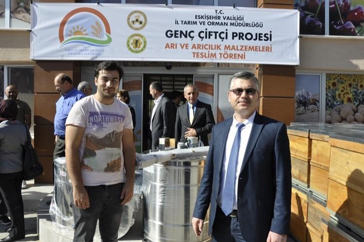 Eskişehir'li Genç Çiftçiler Bal Üretecek