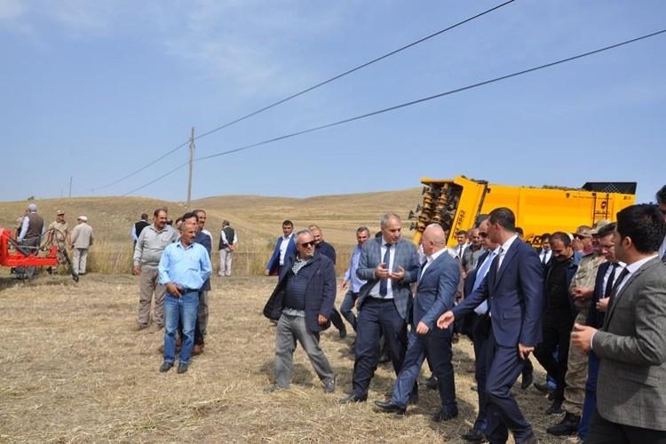 Erzurum'un Tarlaları Taşlardan Arındırılıyor