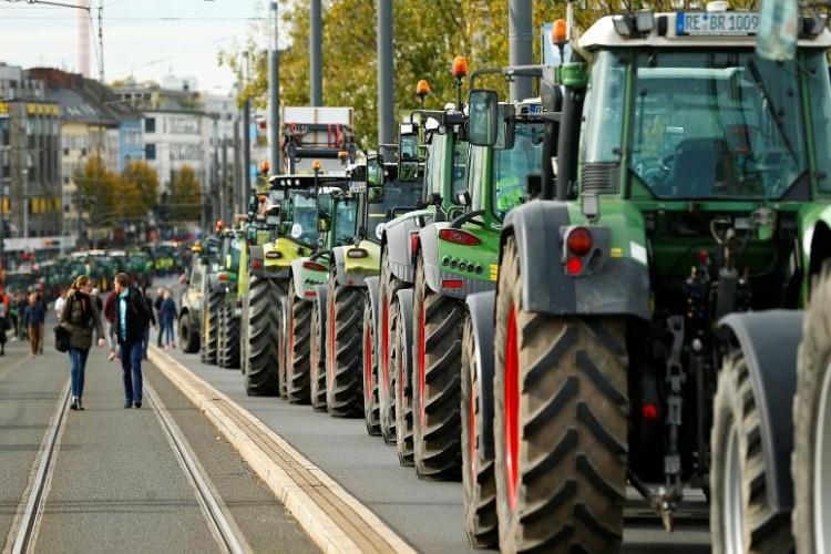 İklim Krizi Nedeniyle Alman Hükümetini Mahkemeye Veren Çiftçilerin Duruşması Başladı