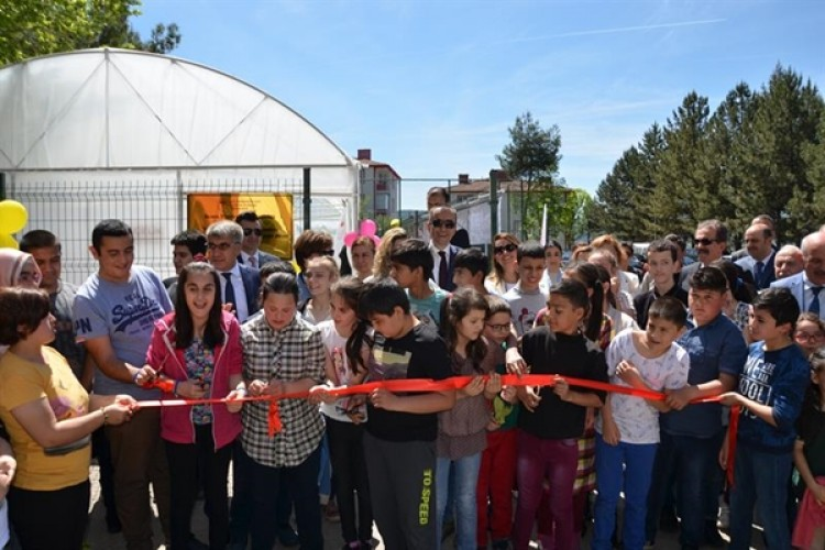 """Toprağa Özel Sevgi Projesi"" Sera Açılış Programı"