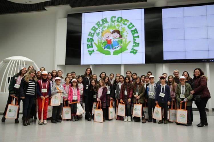 Antalya'da 700 Çocuk Yeşerdi ve Sertifikalarını Aldı