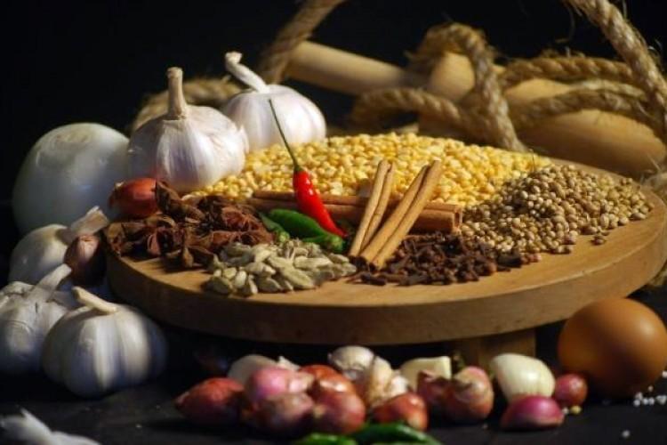 Dünyada Gıda Fiyatları Düşüyor, Türkiye'de Artıyor