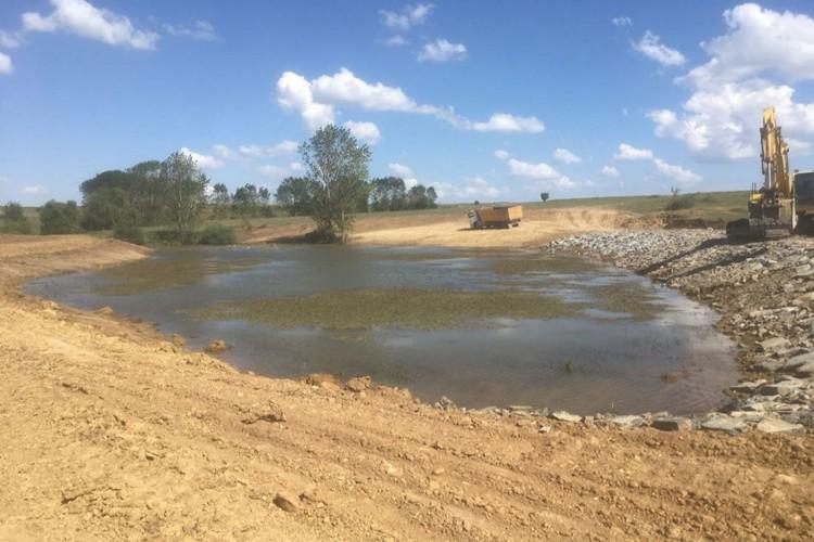 Tekirdağ Büyükşehir Hayvan İçme Suyu Göleti Yapım ve Onarımlarına Devam Ediyor