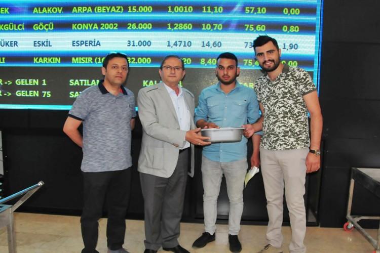 Konya'da İlk Mahsul Arpaya Rekor Fiyat