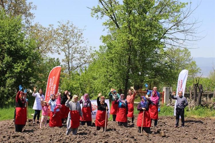 Bakliyat Köyü Çiftçileri Tohumlarını Toprakla Buluşturdu