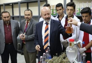 Tıbbi Ve Aromatik Bitki Yetiştiriciliği Projesi Meyvelerini Verdi