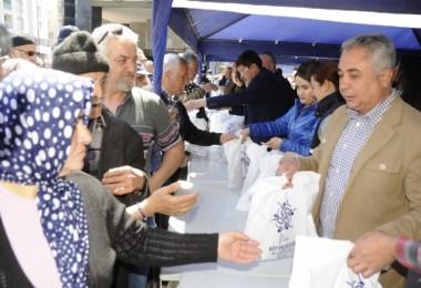 Aydın'da fide kuyruğu! Yerel tohumlar vatandaşa dağıtıldı