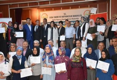 75 Girişimci Kadın Çiftçi sertifikalarını törenle teslim aldı