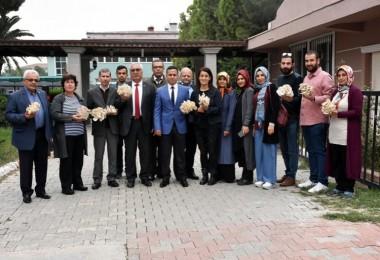 Tarsus Belediyesinin Kursiyerleri İlk İstiridye Mantarı Hasadı Yaptı
