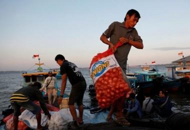 Hindistan'ın İhracat Yasağı Sonrası Soğan Fiyatları Asya'da Göz Yaşartıyor