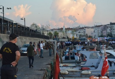 Kumkapı'daki İşgal ve Kaçak Avlanmaya Şafak Baskını