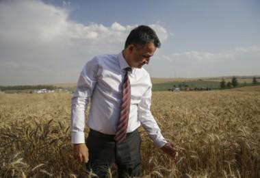 """Bakan Pakdemirli: """"Çiftçilerimiz 1000'i Aşkın Tohum Bağışladı"""""""
