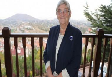 """Prof. Dr Canan Karatay: """"Pastırma Pişmediği İçin En Sağlıklı Ettir"""""""