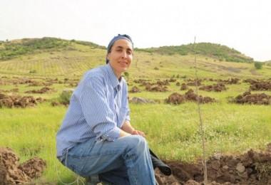 Kadın Girişimci Türkiye'nin En Büyük İpek Böceği Üretimi İçin Dut Bahçesi Kurdu