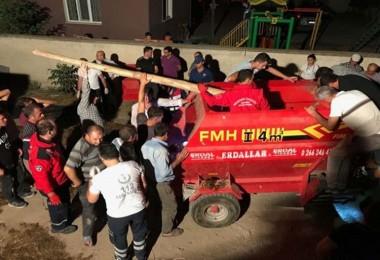 Yem karma makinesine düştü, hayatını kaybetti