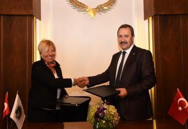 İzmir ve Şanlıurfa Ticaret Borsalarından Pamuk Alanında İşbirliği