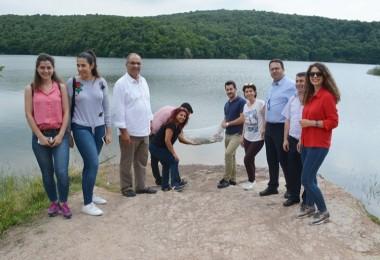 İstanbul'daki Göletlere 100 Bin Sazan Yavrusu Bırakıldı