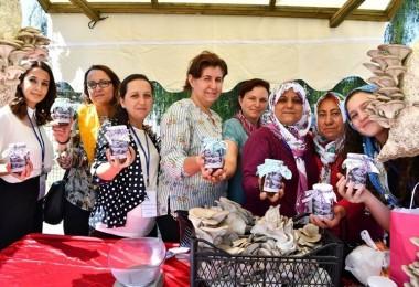 Kiraz İlçesinde Yerel Ürünler Festivali Düzenlendi
