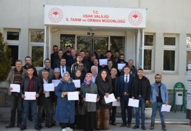 Uşak'ta Tarımsal Konularda Eğitim Alan Kursiyerler Sertifikalarını Aldı