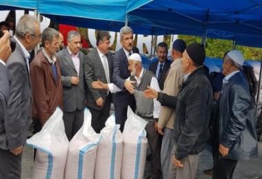 Çiftçilere Belediye Tarafından Altındane Dağıtıldı