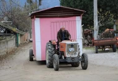 Köy muhtarı 13 yıldır aynı hizmeti veriyor! Onu görünce dua ediyorlar