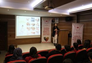 Uşak'ta Öğrencilere Gıda Eğitimleri Verilmeye Başlandı