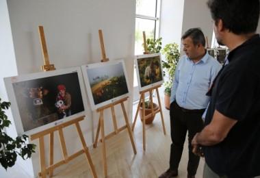 Antalya'da 10. Tarım Ve İnsan Fotoğraf Sergisi Açıldı