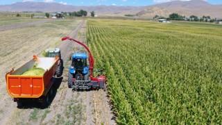 Büyükşehir Belediyesi'nin Tarım Makinaları Parkı, çiftçilerden yoğun ilgi görüyor