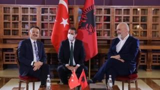 Türkiye'den, Sel Felaketi Yaşayan Arnavutluk'a Yardım Eli…