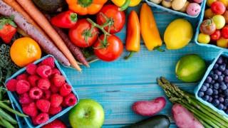 Antalya Halinde Yıllık Sebze Fiyatlarında %7 Düşüş, Meyvede İse %33'lük Artış Oldu