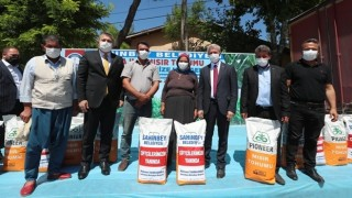 Şahinbey Belediyesinden Çiftçilere Silajlık Mısır Desteği