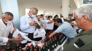 Mezitli Belediyesinden çiftçilere Mikrobiyal Gübre desteği