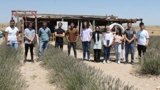 Stajyer Öğrencilerden Badem Ve Lavanta Bahçesine Ziyaret