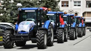 Başkan Büyükkılıç'tan Çiftçilere Traktör Desteği