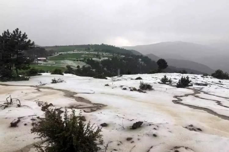 Çorum'da Etkili Olan Dolu Tarım Arazilerini Vurdu
